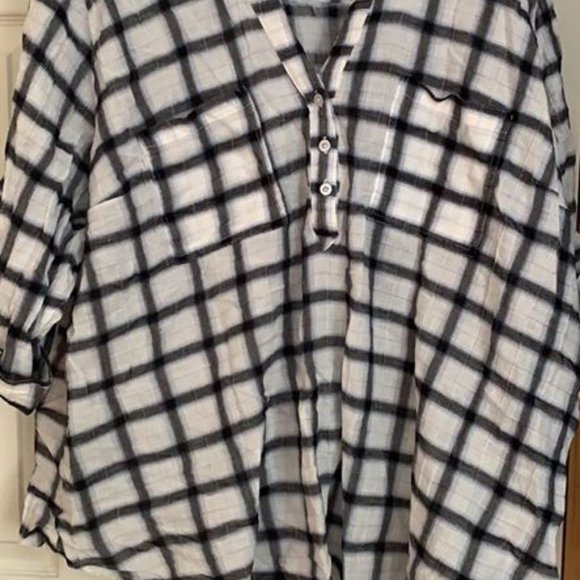 Torrid size 4 checked blouse